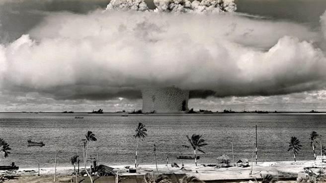 美國曾在這裡投下67顆核彈 當地居住至今無法回家園